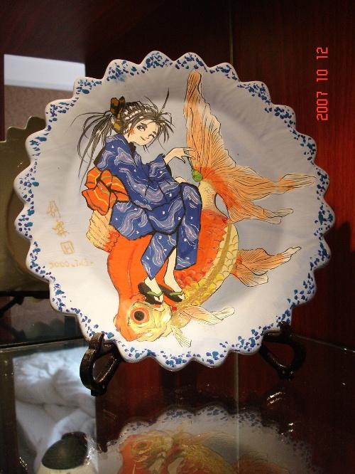 胡霖同学18岁时的作品:盘子卡通