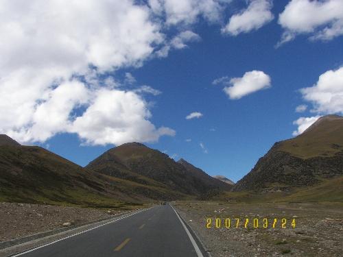 藏族天路风景动图