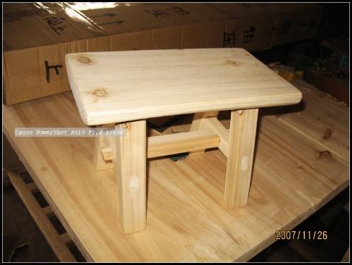 从桌子腿开始~当初设计的木桌脚踏仅仅是两根木条