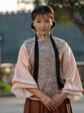 电视剧《女人花》主角黄梅儿由刘涛出演,早前看过她的作品《新白娘子图片