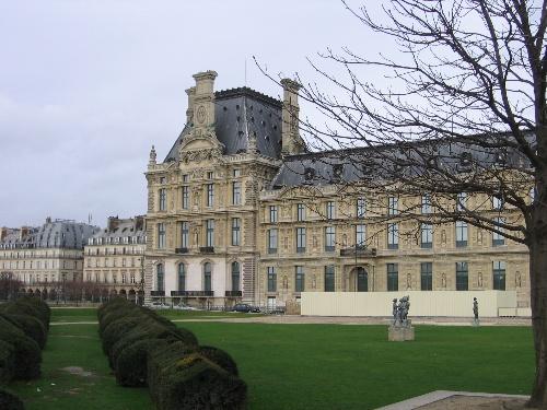 罗浮宫玻璃金字塔手绘
