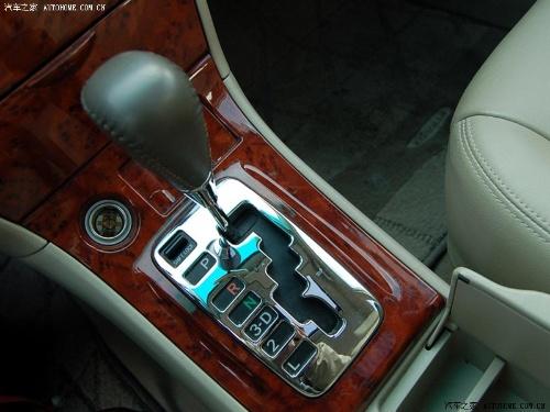 自动变速轿车上装置空挡启动开关